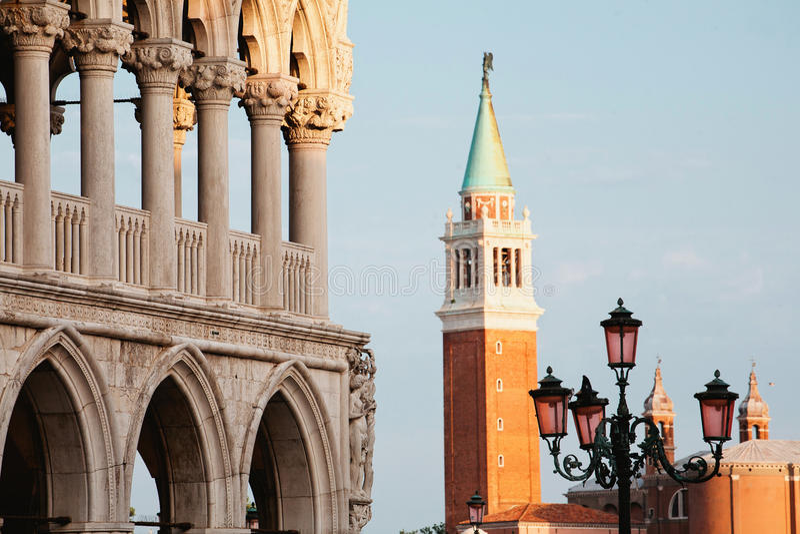 从圣Marco广场的威尼斯黄昏的 免版税库存图片