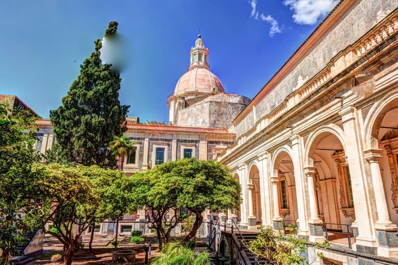 圣Nicolo l `竞技场本尼迪克特的修道院的修道院在卡塔尼亚, 免版税库存照片