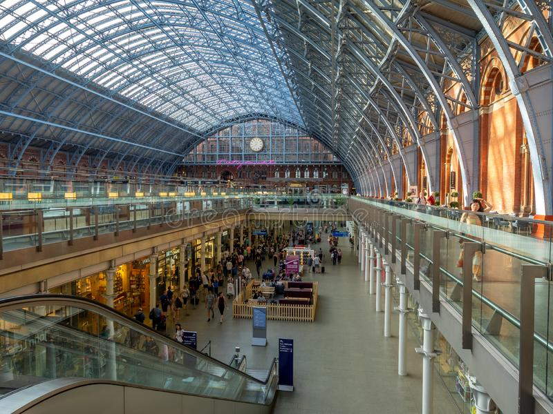 圣Pancras火车站的内部,伦敦 库存照片