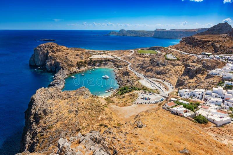 圣PaulÂ的海湾、Lindos村庄和地中海fr看法  库存图片