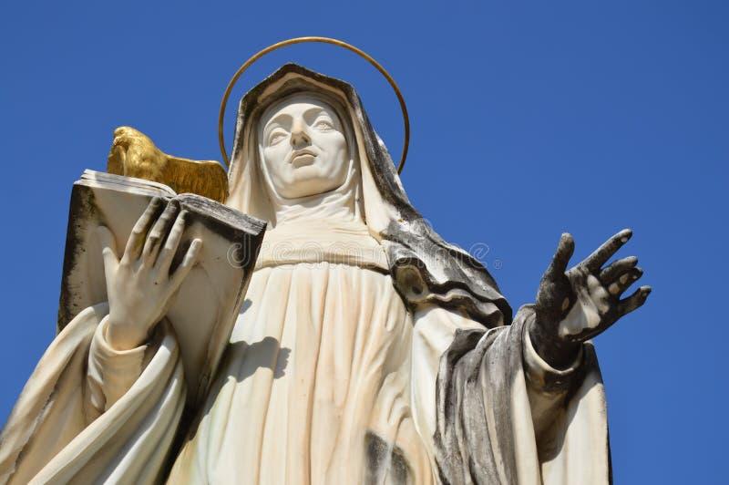 圣Scholastica, Monte卡西诺雕象  库存照片