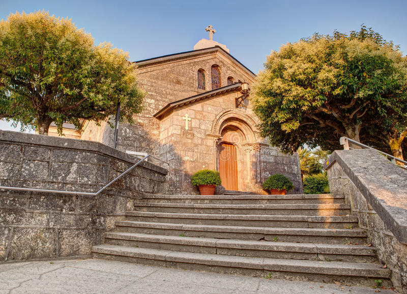 圣Tirso, Palas de Rey教会  免版税库存照片