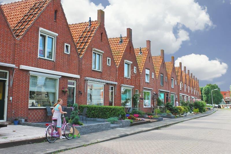 在一个典型的荷兰语房子的庭院里。 免版税库存照片
