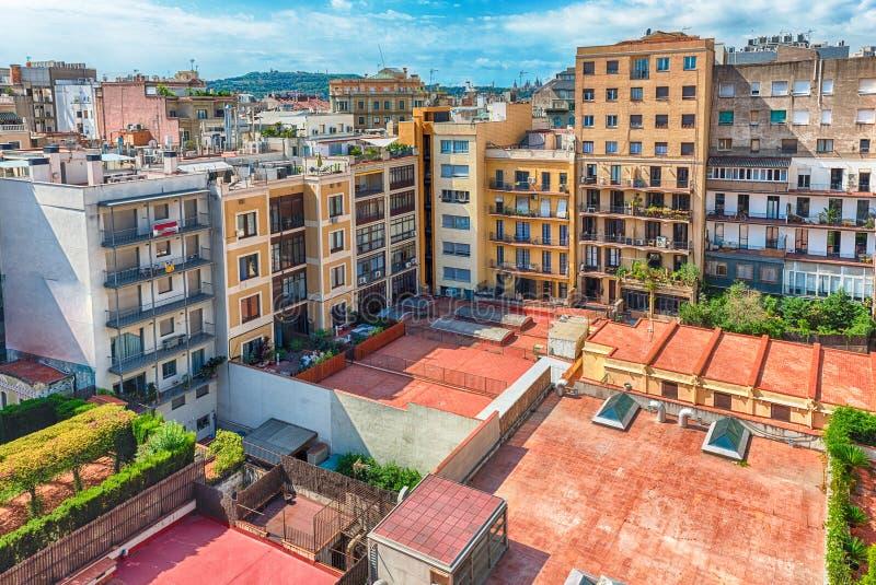 在一个内在庭院的鸟瞰图在巴塞罗那,卡塔龙尼亚,温泉 库存照片