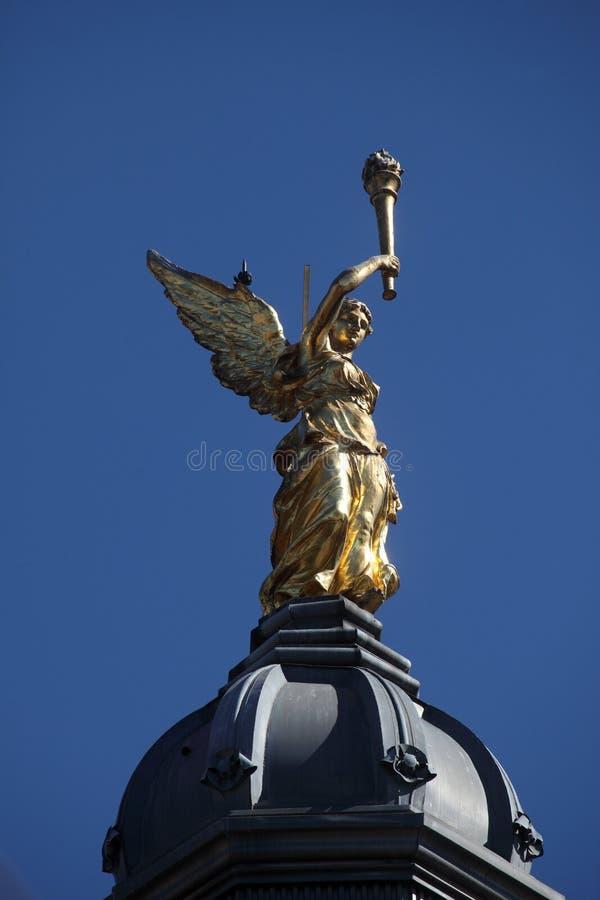 在一个大厦的天使在萨格勒布 图库摄影