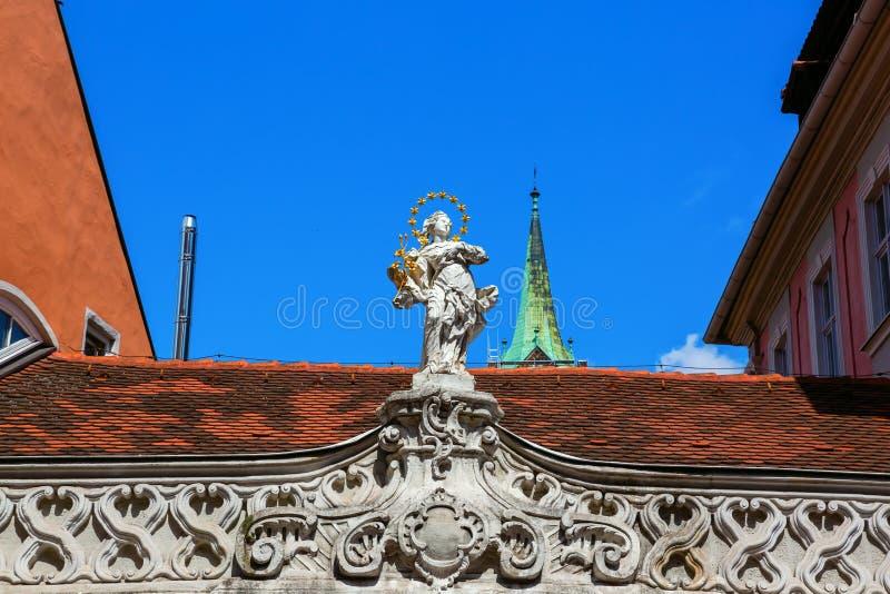 在一个大厦的雕塑在琥珀,德国 免版税图库摄影