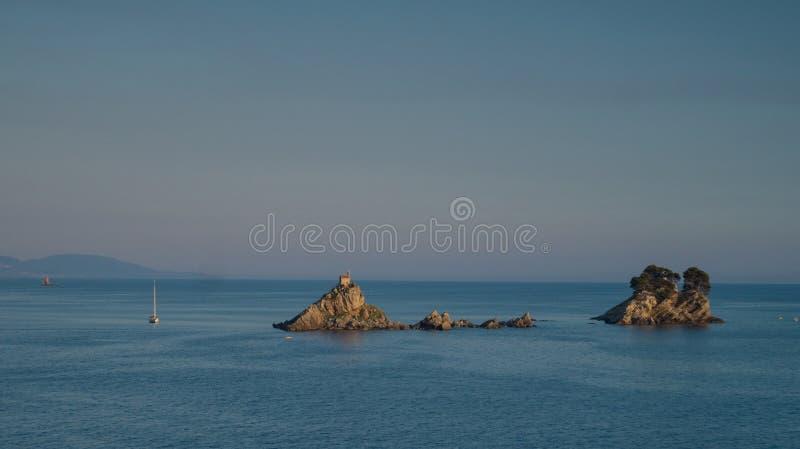 在一个小海岛上的小屋 库存图片