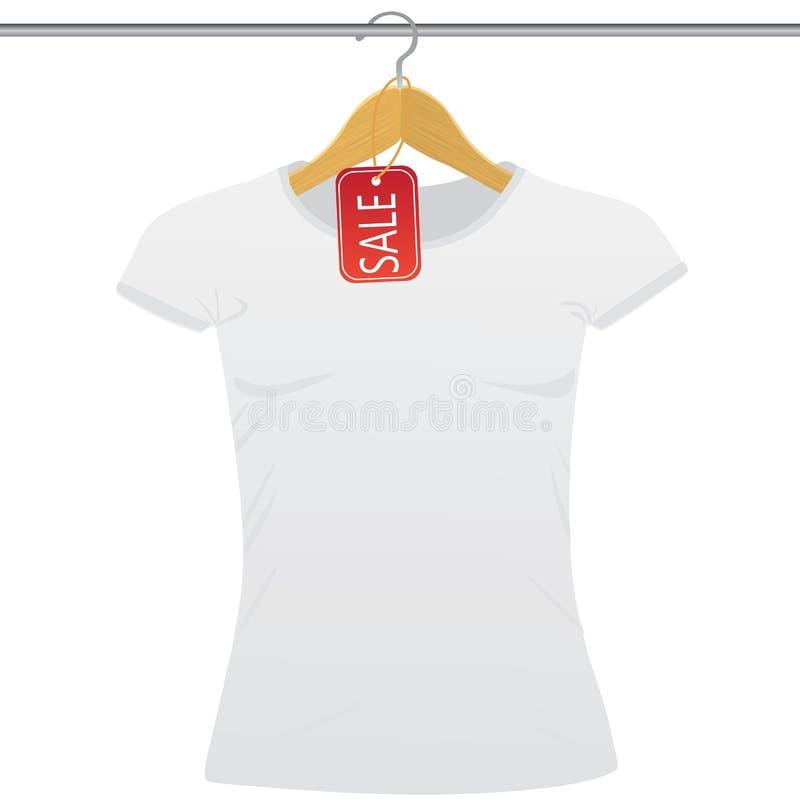 在一个挂衣架的白色T恤杉与销售标记 皇族释放例证