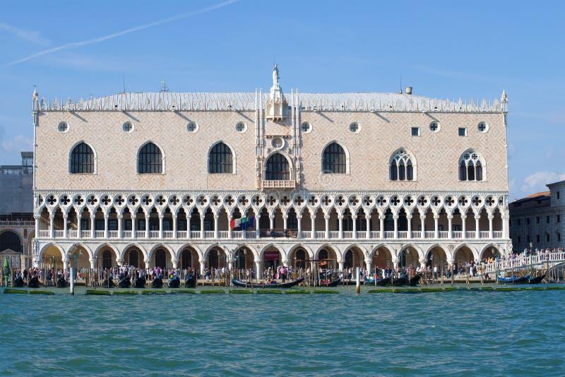 在一个晴朗的下午的公爵的宫殿特写镜头 意大利威尼斯 图库摄影