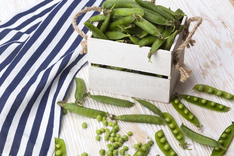 Download 在一个木箱的绿豆 库存图片. 图片 包括有 豆类, 美食, 有机, 维生素, 蔬菜, 问题的, 自然, browne - 72355371