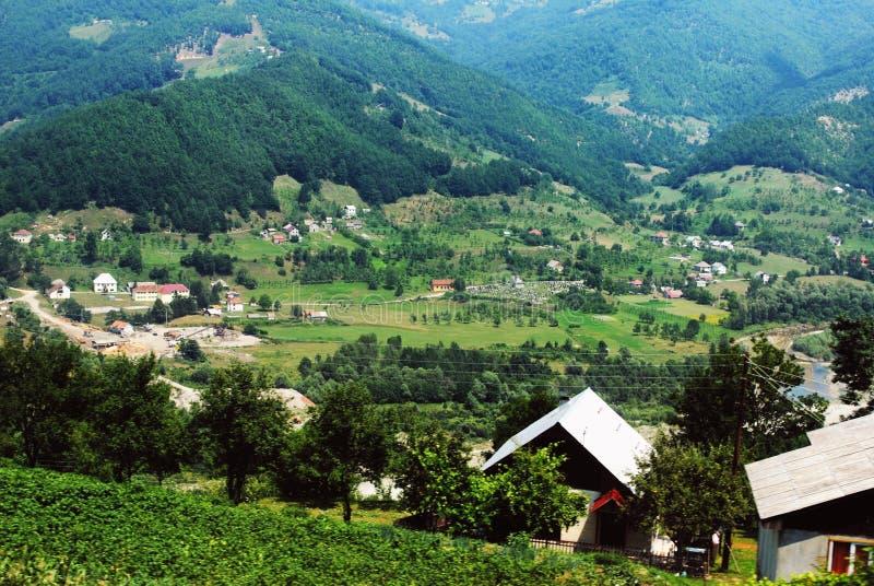 在一个村庄的看法在国家公园杜米托尔国家公园 免版税库存照片