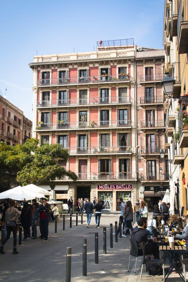 在一个正方形的大阳台在巴塞罗那,西班牙 免版税库存图片