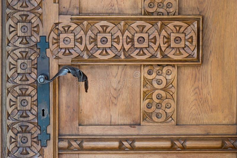 在一个正统修道院的门 免版税库存照片