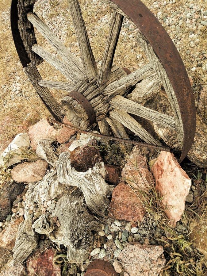 在一个残破的轮子的轮幅 免版税库存图片