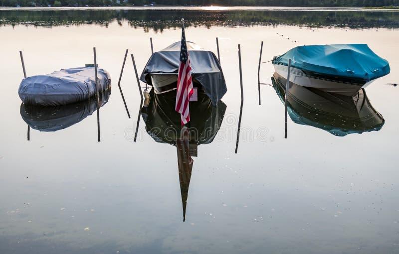 在一个湖的小船在美国 库存照片