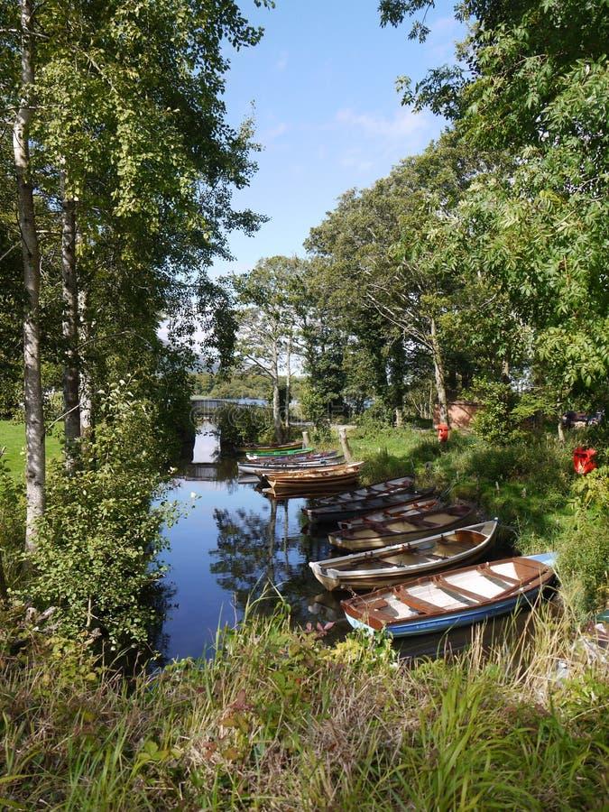 在一个湖的渔船在爱尔兰 免版税库存照片