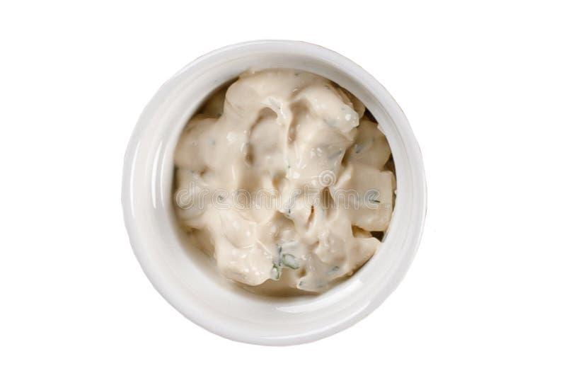 在一个碗的蒜酱油在白色背景 一各种各样的调味汁的汇集 免版税库存照片