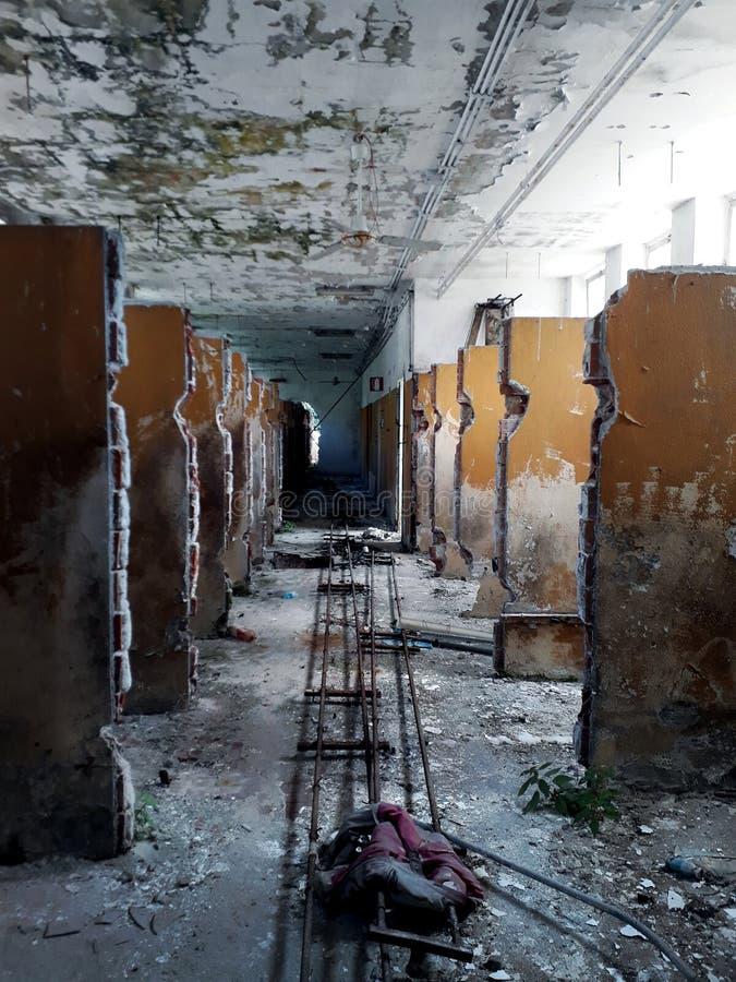 在一个被放弃的屠宰场的Urbex 库存照片