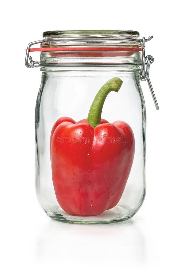在一个装于罐中的瓶子的甜椒 免版税库存图片