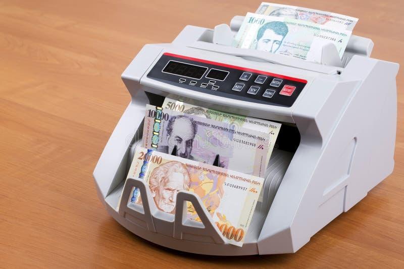 在一个计数的机器的亚美尼亚微量 免版税库存图片
