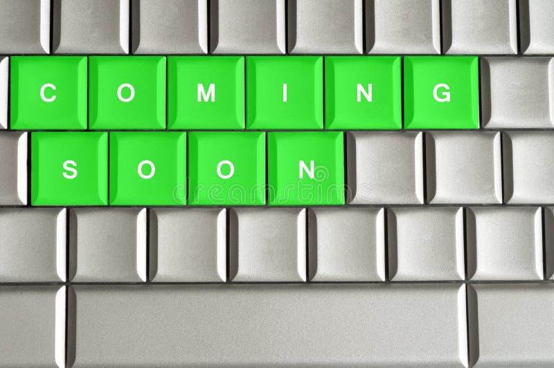 在一个金属键盘很快拼写的来 向量例证