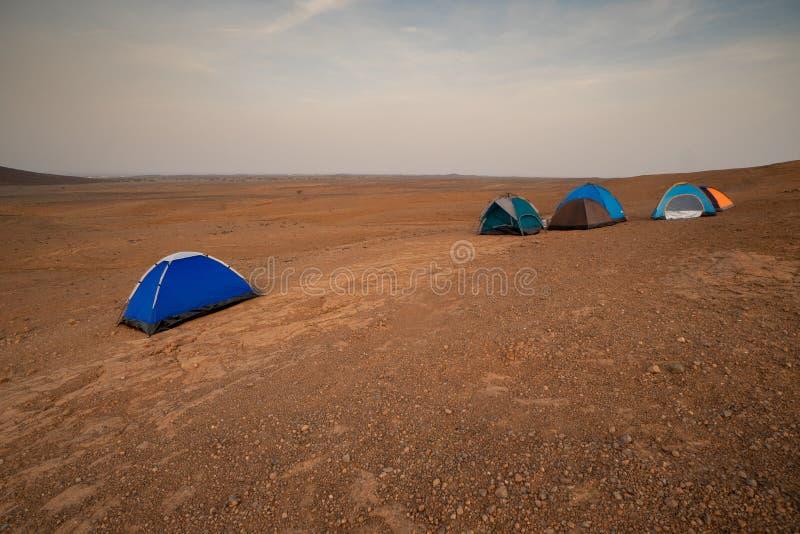 在一个露营地的帐篷在沙漠在Makkah Privince在沙特阿拉伯 免版税库存照片