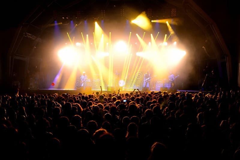 在一个音乐会的人群在维达节日 免版税库存照片