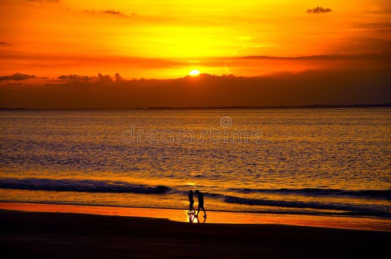 在一个巴西海滩的日落 免版税图库摄影
