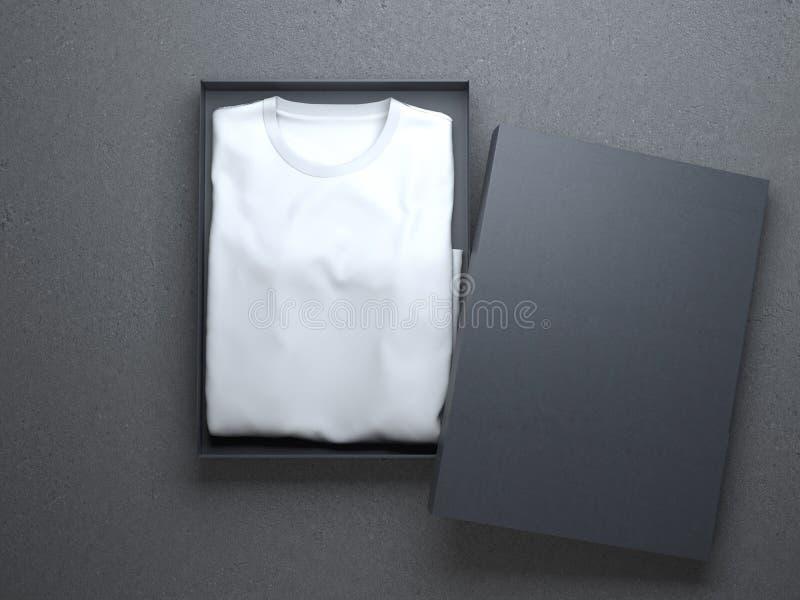 在一好纸板包装的白色T恤杉 免版税库存照片