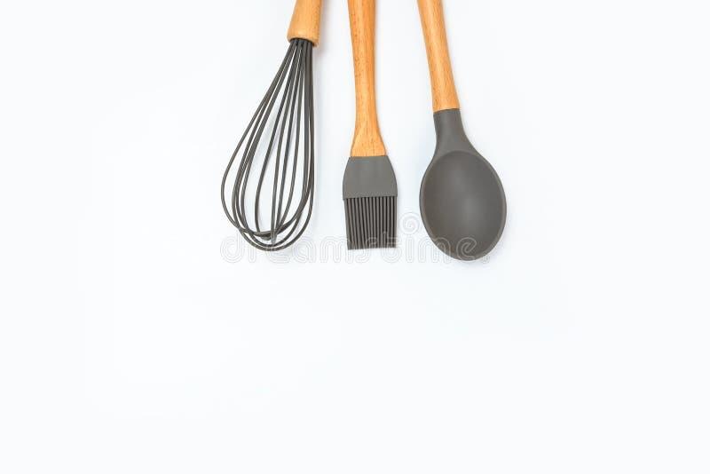 在一张色的背景顶视图的另外厨具 烹饪皿器 库存图片