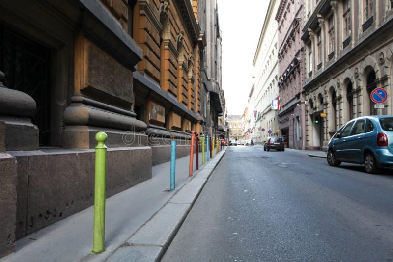 在一条街道上的五颜六色的堆在布达佩斯 图库摄影