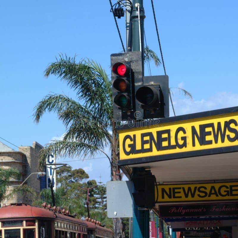 在一条街道的红绿灯在Glenelg 免版税库存图片