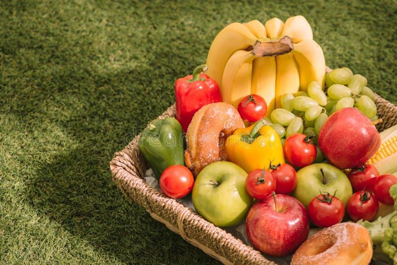 图片 包括有 果子, 新月形面包, 响铃, 春天 - 118240196图片