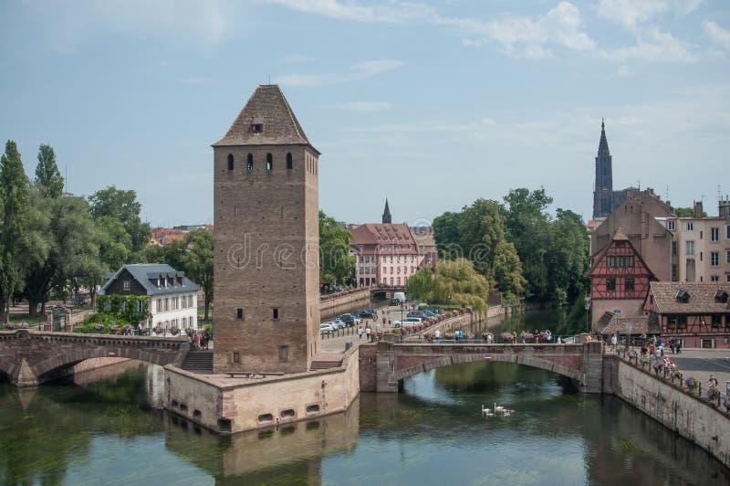 在一点法国处所的中世纪塔在史特拉斯堡 免版税库存图片