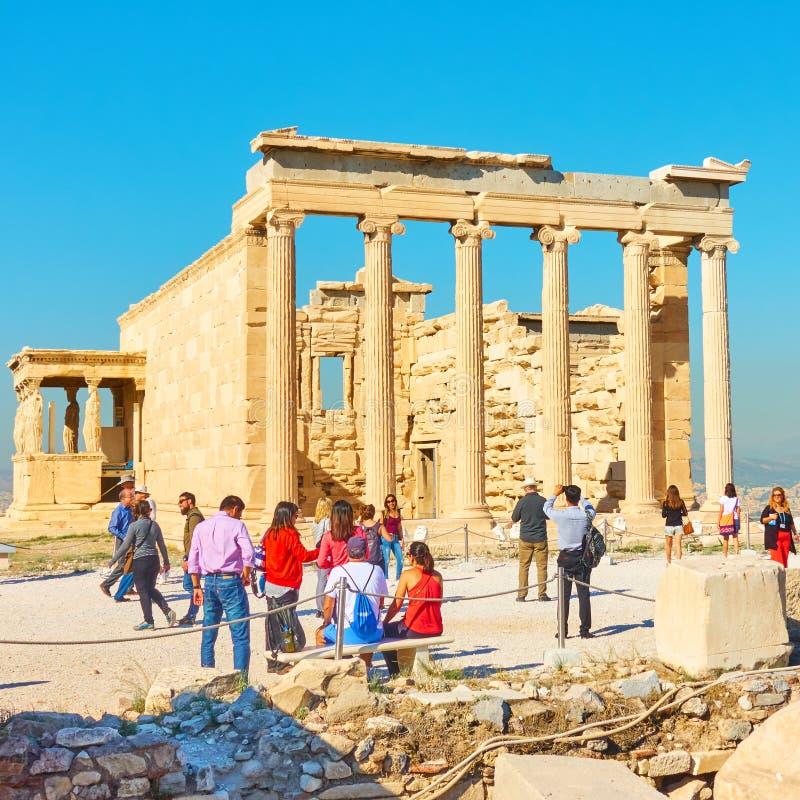 在上城小山的厄瑞克忒翁神庙寺庙在雅典 免版税图库摄影