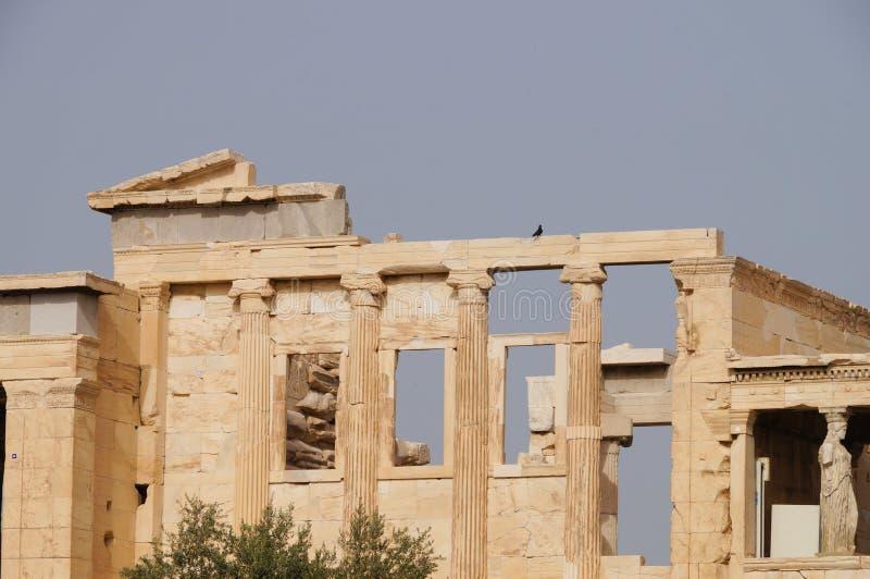 在上城小山的Erechtheion寺庙,雅典,希腊 图库摄影