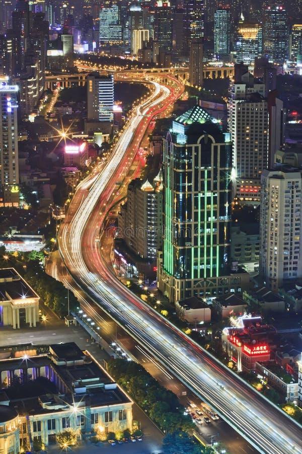 在上海的鸟瞰图在晚上 免版税库存图片
