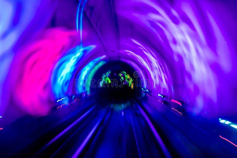 在上海观光的隧道里面的轻的隧道 库存图片