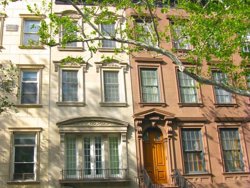 在上部东边,纽约的经典连栋房屋 免版税库存图片