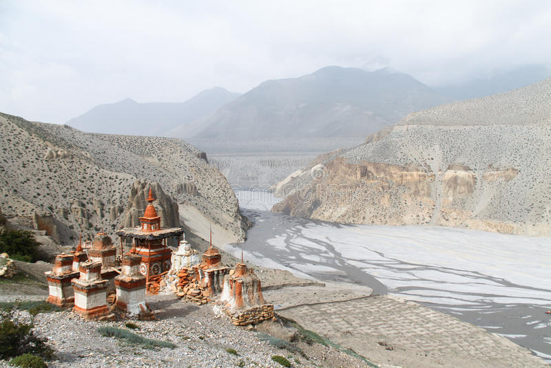 在上部野马,尼泊尔的佛教stupas 免版税图库摄影