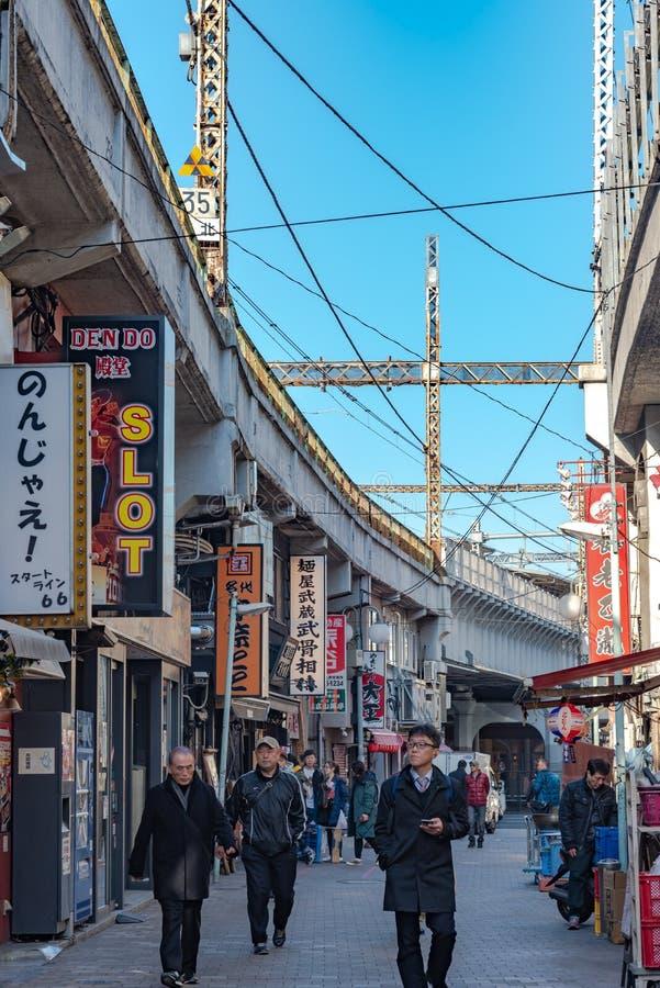 在上野驻地附近的上野Chuo Dori街道 库存照片