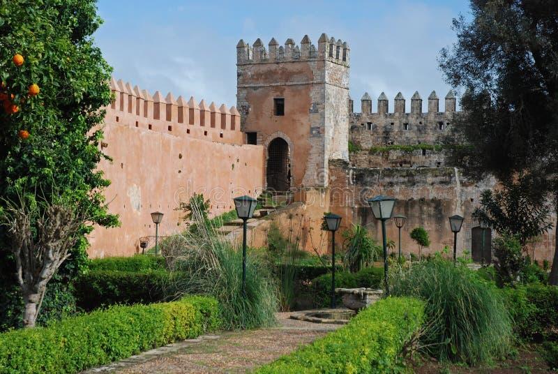 位于Ouida Kasbah -拉巴特的安达卢西亚的庭院摩洛哥 免版税库存照片