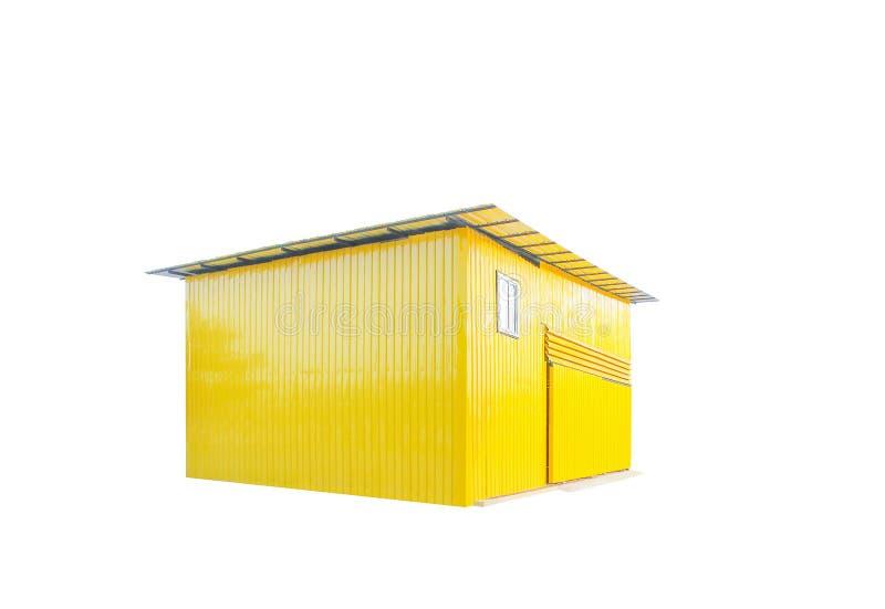 在与裁减路线的白色背景或车库隔绝的五颜六色的黄色锌棚子 免版税库存照片