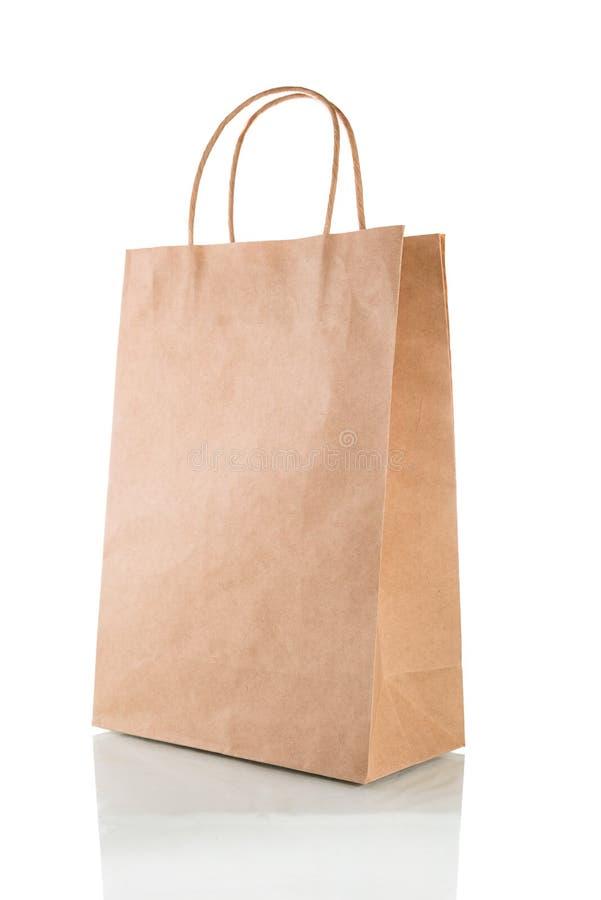 在与裁减路线的白色背景隔绝的纸袋 免版税库存图片