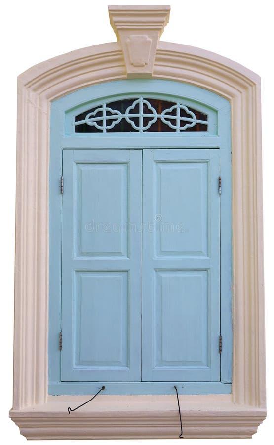 在与裁减路线的白色背景隔绝的老蓝色木双窗口 免版税库存照片