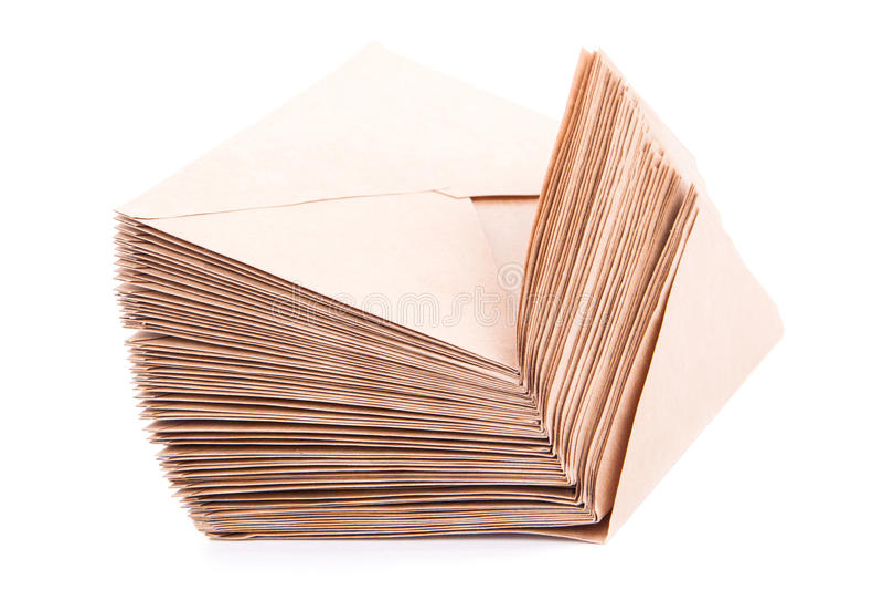 在与裁减路线的白色背景隔绝的空白的信封 库存照片