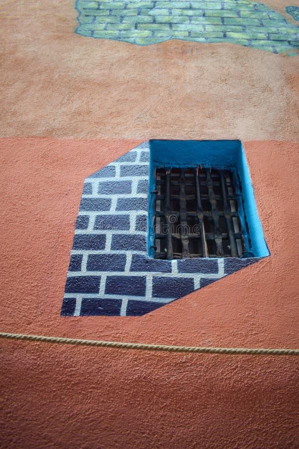 在与3D壁画的整修以后系住从布拉索夫罗马尼亚的街道 免版税图库摄影