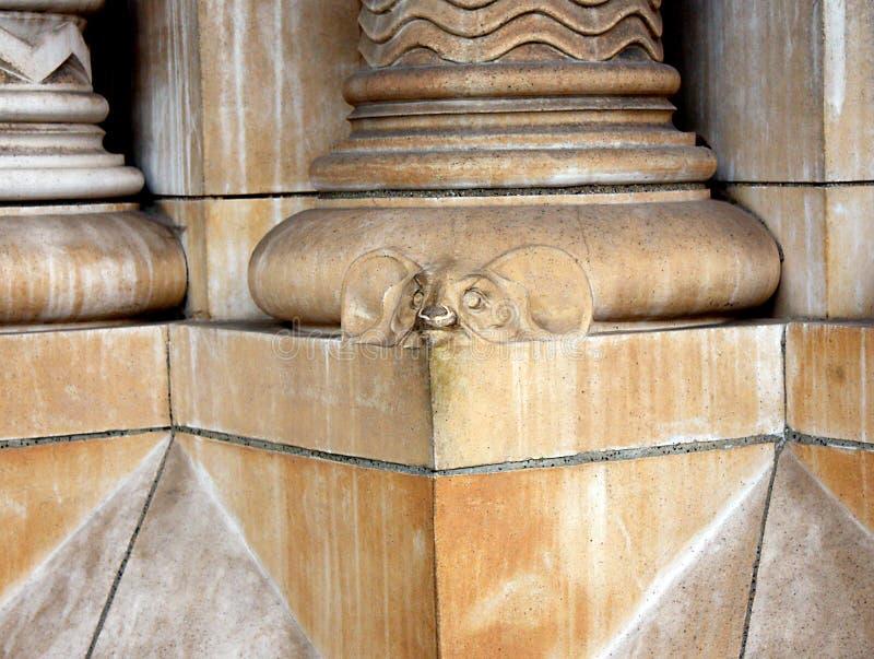 在专栏基地的老鼠在自然历史博物馆的在伦敦 库存图片