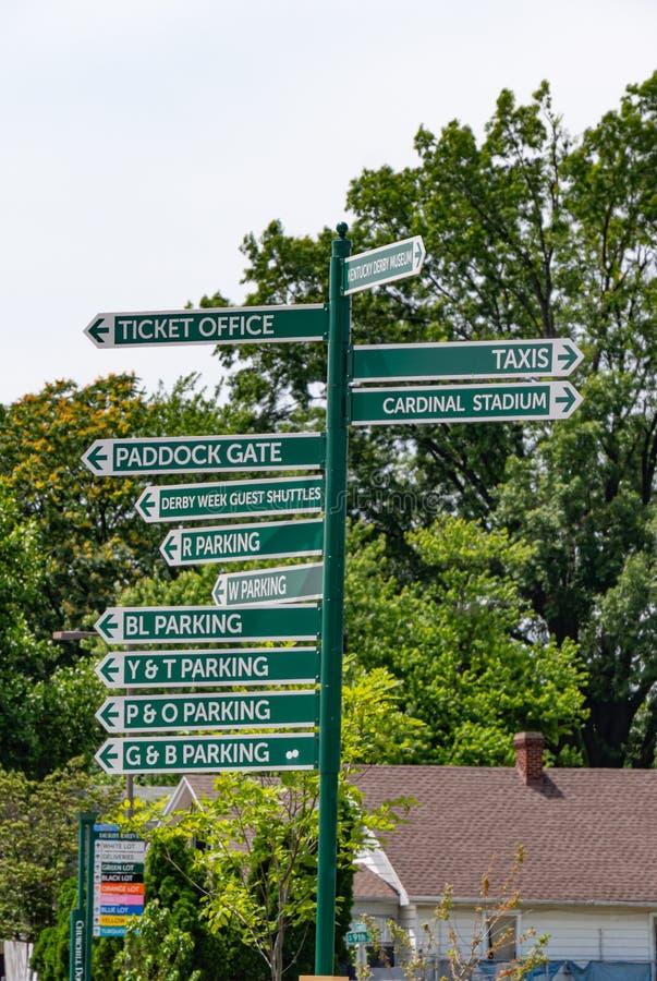 在丘吉尔Downs的方向标在路易斯维尔-路易斯维尔,美国- 2019年6月14日 免版税库存图片