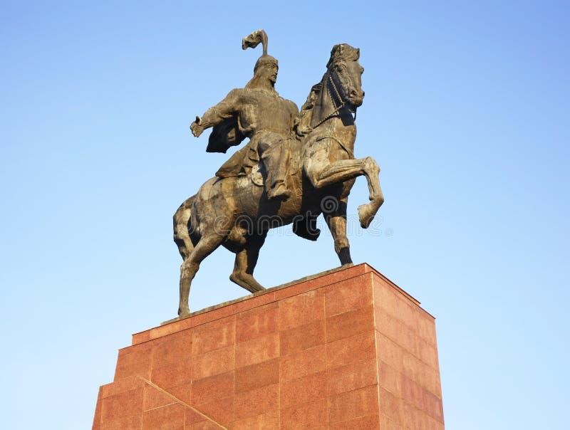 在丙氨酸太正方形的Aikol玛纳斯纪念碑在比什凯克 吉尔吉斯斯坦 免版税库存照片